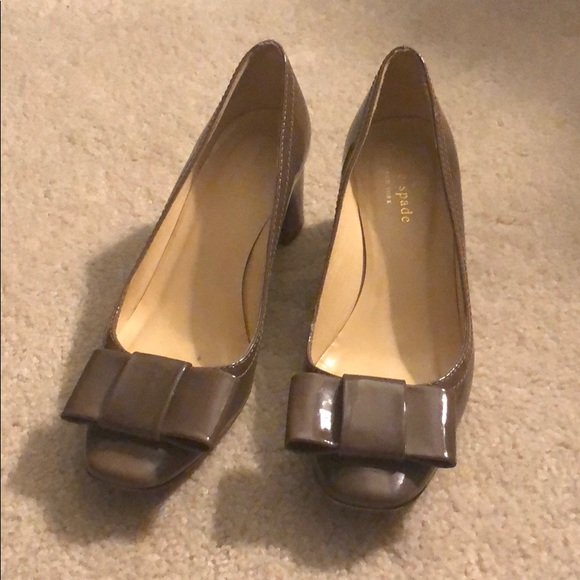 Like New! Kate Spade pumps with bows & block heels